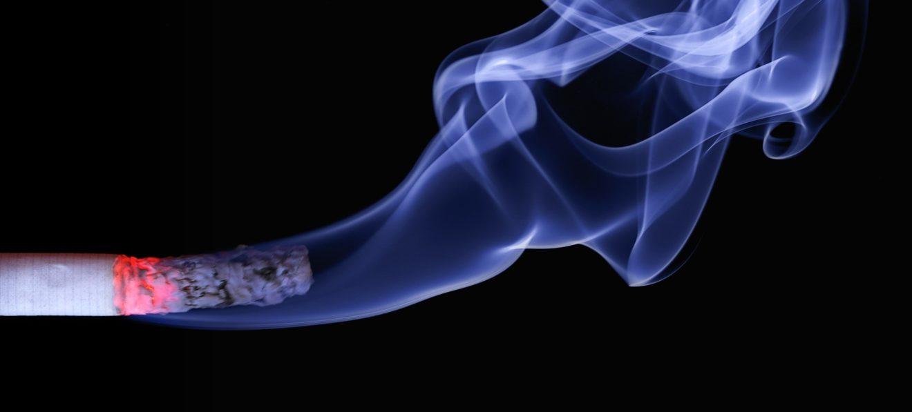Commerce illicite des cigarettes : la Commission est complice du lobby du tabac !