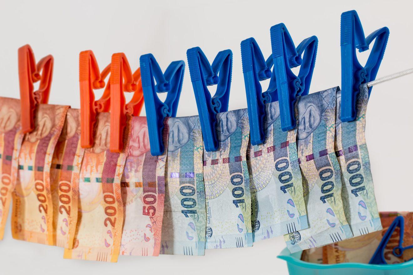 Blanchiment d'argent et financement du terrorisme : la liste noire de l'UE est un premier succès