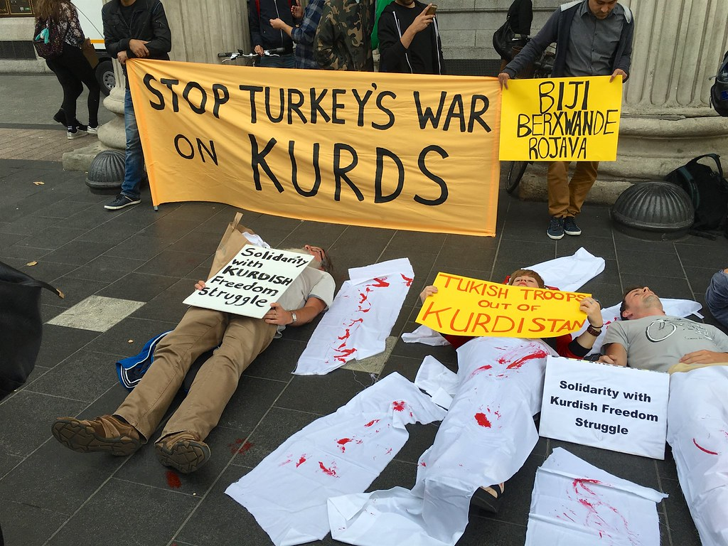 Syrie : le Parlement uni face à l'attaque scandaleuse d'Erdogan contre les Kurdes