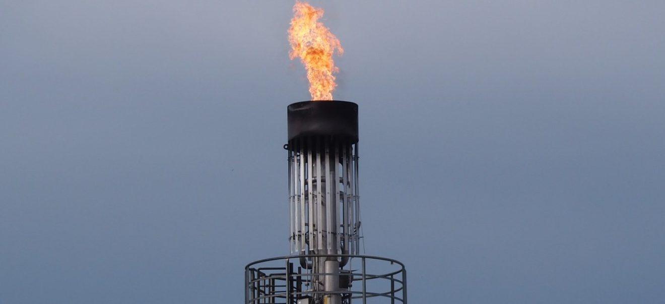 Climat : le premier pas de la BEI doit être suivi d'un désinvestissement massif et immédiat dans les énergies fossiles